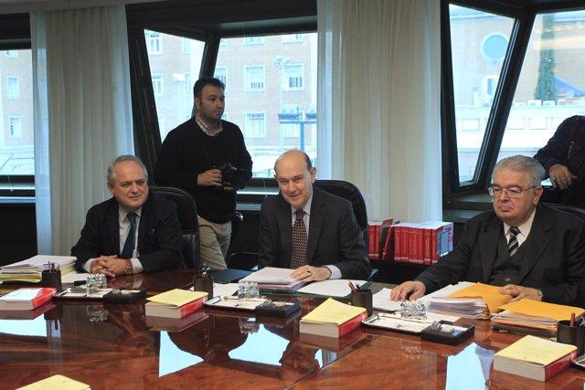 Juan José González, Andrés Ollero y Luis Ignacio Ortega.