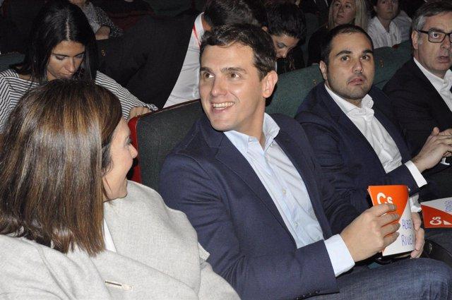 Albert Rivera con Susana Gaspar y Rodrigo Gómez (Cs) en Zaragoza.