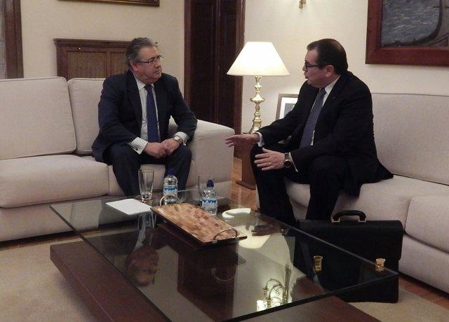 Reunión entre el ministro J.I.Zoido y el conseller J.Jané