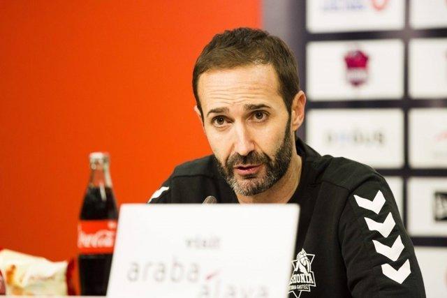 Sito Alonso, Entrenador Del Baskonia En Rueda De Prensa