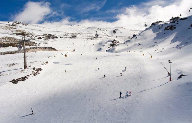 Una de las pistas de la estación de esquí de Sierra Nevada (Granada)