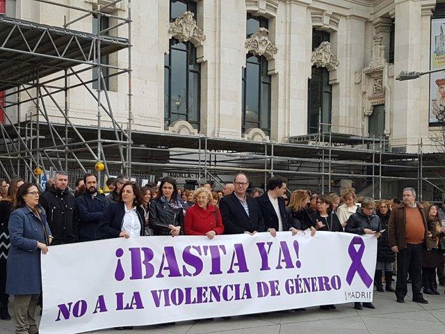Manuela Carmena se manifiesta contra la violencia machista