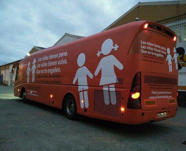 Autobús de Hazte Oír contra menores transexuales