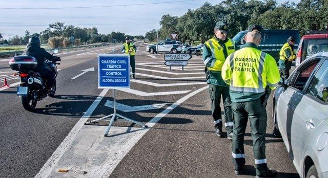Control Anti-Droga Guardia Civil De Trafico. Badajoz, Febrero 2016