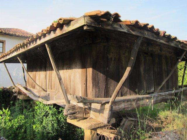 Hórreo en la parroquia de Manzaneda, Gozón.