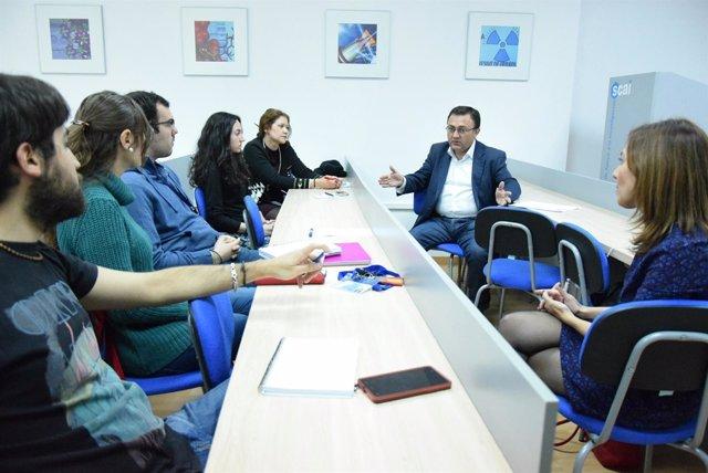 Heredia se reune con investigadores de la UMA