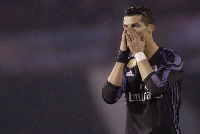 Cristiano Ronaldo lamenta una ocasión fallada