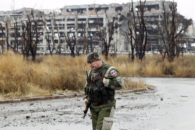 Combatiente separatista en Donetsk