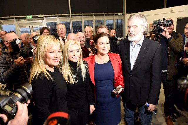 Sinn Fein, Michelle O'neill Junto A Gerry Adams