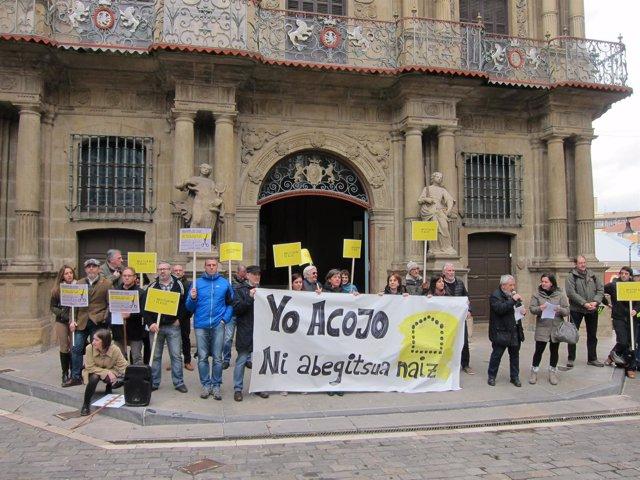 Concentración de Amnistía Internacional a favor de la acogida de refugiados