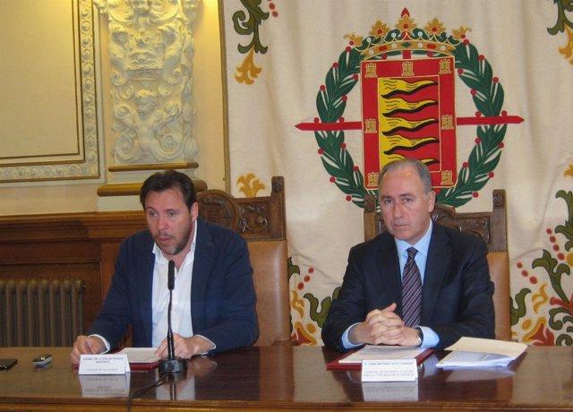 El alcalde de Valladolid, Óscar Puente, y el concejal Antonio Gato