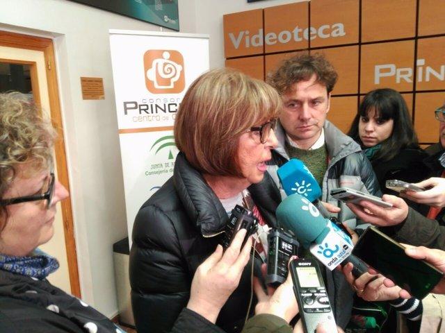 Adelaida de la Calle rueda de prensa Málaga febrero 2017 consejera Educación