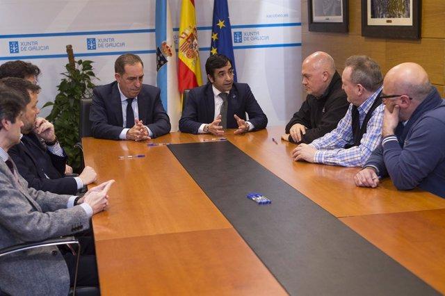 Rey Varela y Valeriano Martínez firman acuerdo con sindicatos de Benestar