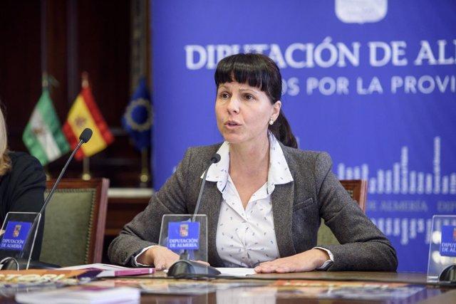 Dolores Martínez ha apostado por la igualdad para luchar con la violencia.