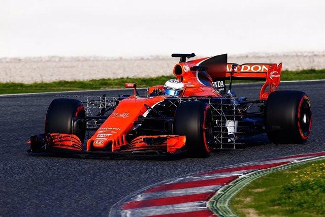Fernando Alonso con McLaren en Montmeló