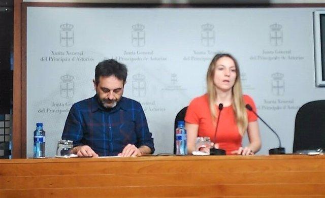 Orlando Fernández y Lucía Montejo en rueda de prensa.