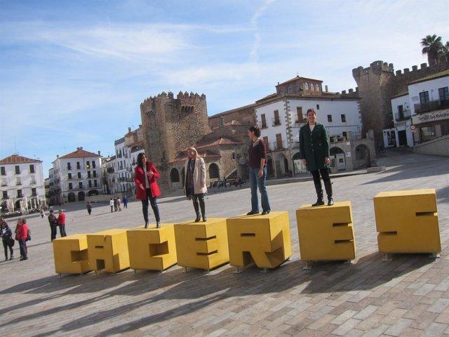 Presentación del icono 3D de Cáceres instalado en la Plaza Mayor