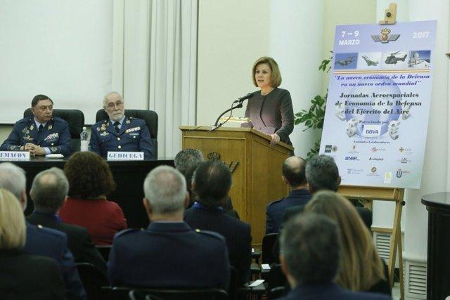 La ministra de Defensa, en la inauguración de las Jornadas Aeroespaciales