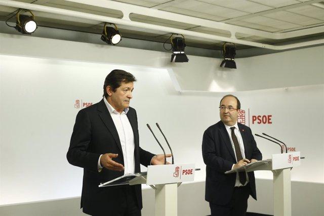Rueda de prensa de Javier Fernández e Iceta en la sede del PSOE