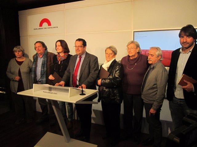 Miembros del Pacte Nacional pel Referèndum, encabezados por J.I.Elena