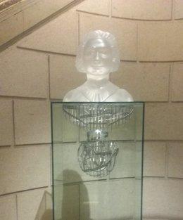 Busto de Clara Campoamor