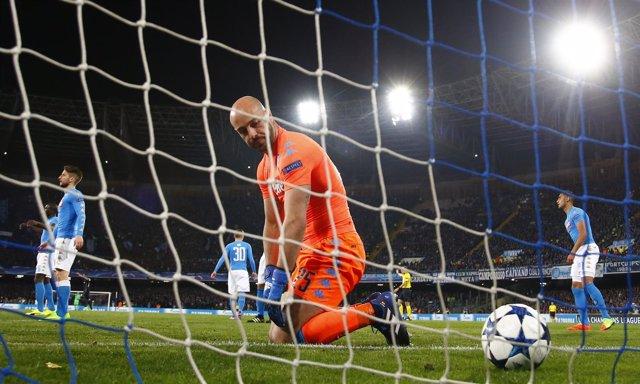 Pepe Reina tras encajar un gol del Real Madrid en Champions