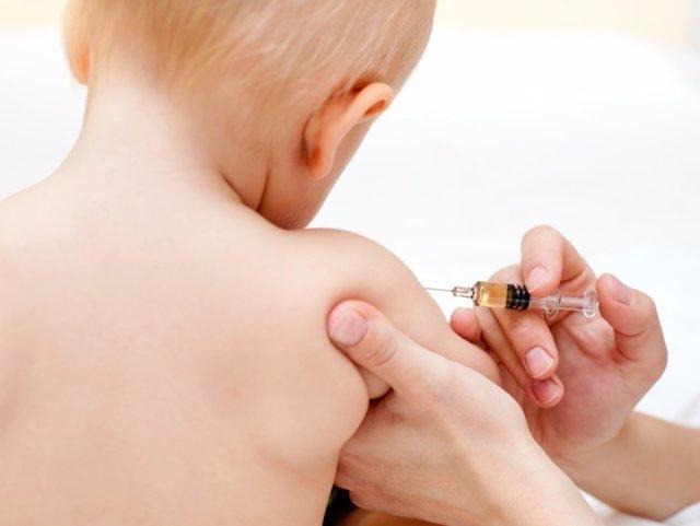 Vacunar, vacunación, niño, bebé