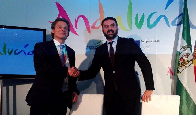 Michael Hoffmann y Francisco Javier Fernández, en la ITB de Berlín