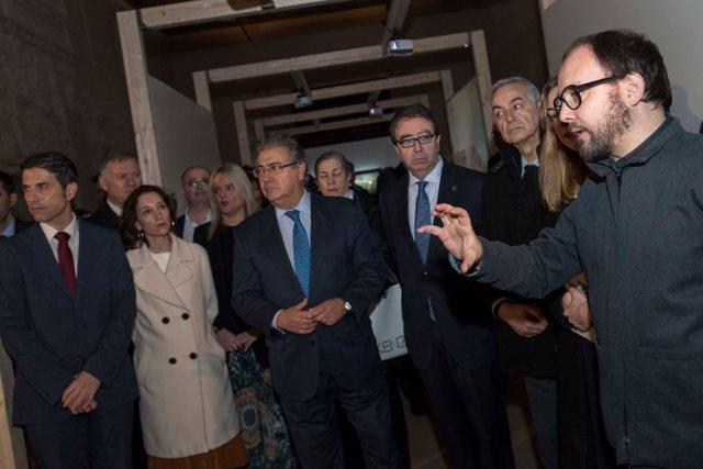 Zoido inaugura una exposición sobre el 11M en Alcalá de Henares