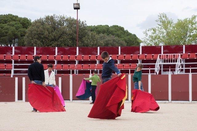 Jóvenes de la Escuela Taurina de Madrid