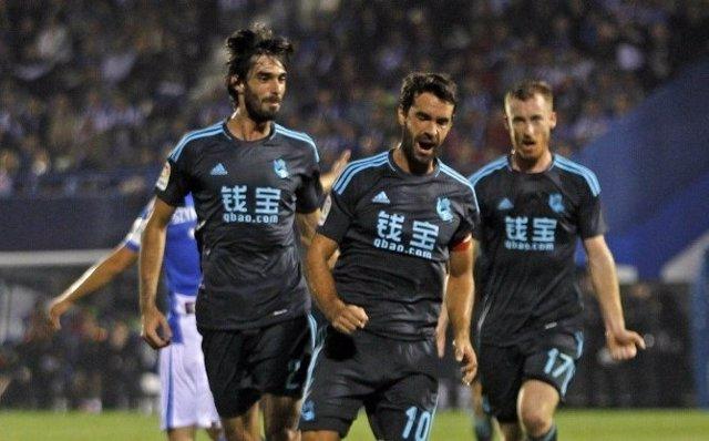 Xabi Prieto celebra un gol con la Real Sociedad