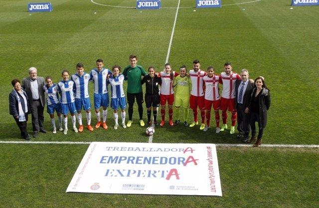 Los equipos del Espanyol se enfrentan en un amistoso mixto