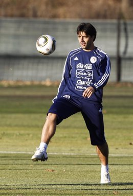 El Jugador Paraguayo Del Club Guaraní Julio César Cáceres