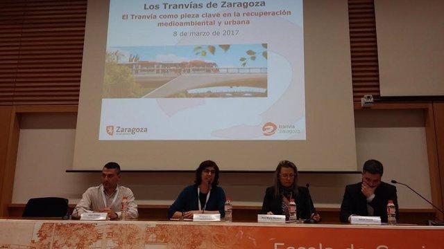 La gerente de Los Tranvías de Zaragoza, Ana Moreno, en un foro en Barcelona