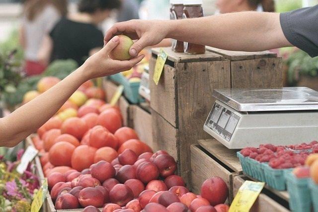 Manzana, mercado