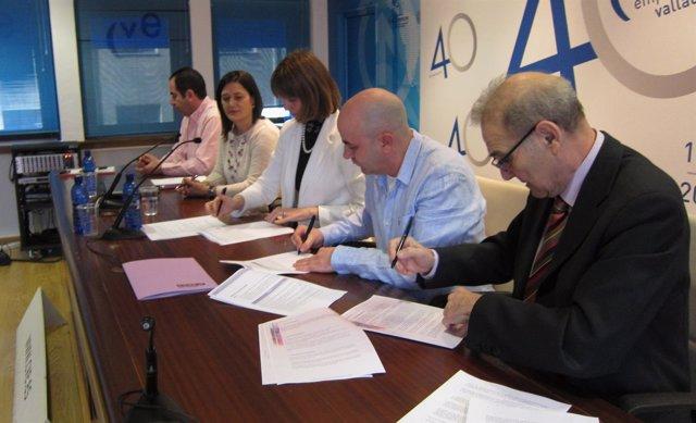 Firma del documento sobre la igualdad en el sector de oficinas y despachos