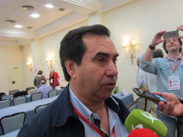 Mateo Guerra atiende a los medios