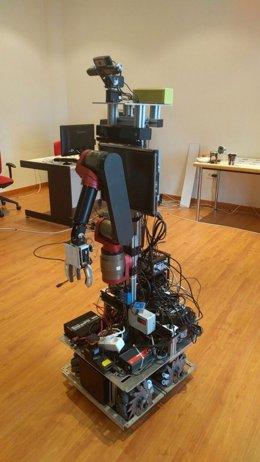 Robot diseñado por el RoboLab de la UEx