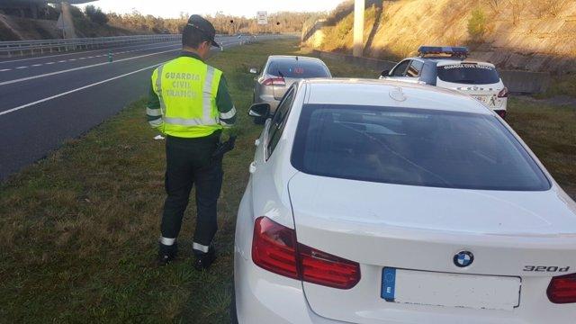 Interceptado en Lousame un conductor que duplicaba la velocidad permitida.
