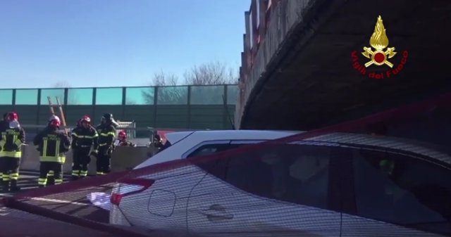 Derrumbe de un puente sobre autovía en Italia