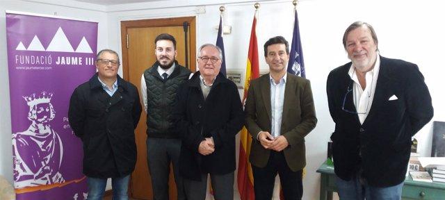 Imagen de Company con la fundación Jaume III