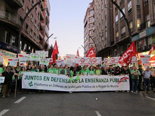 Manifestación por la enseñanza pública