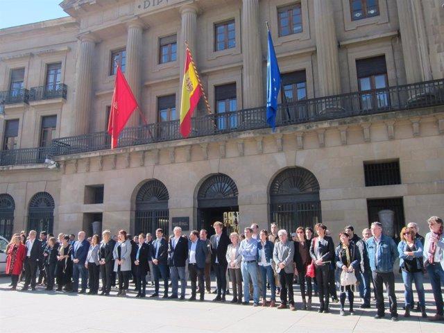 Concentración en Pamplona para conmemorar el Día de las Víctimas del Terrorismo