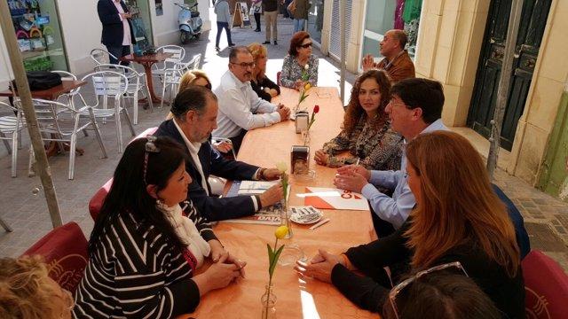 Juan Marín y otros miembros de Cs, hoy en Écija