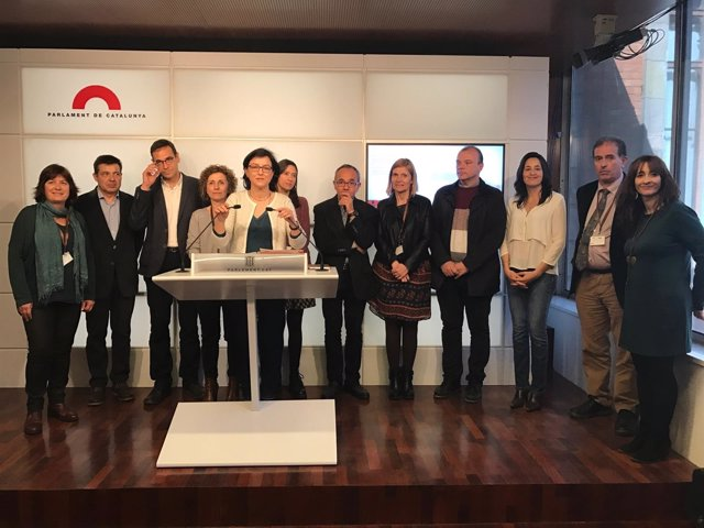 Reunión de PSC y SíQueEsPot con alcaldes por la financiación de las guarderías