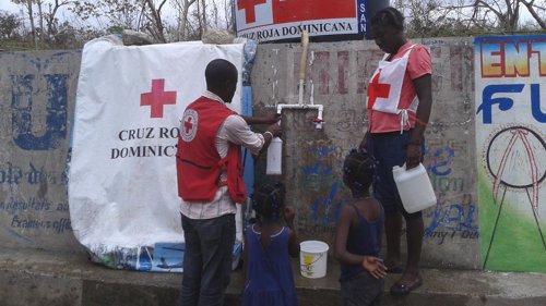 Dotación de agua potable. Intervención de Cruz Roja en Haití.