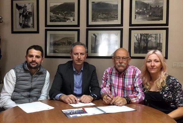 Estaún firma el convenio con octagon para la QH MTB