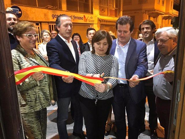 La presidenta 'popular' ha inaugurado nuevas sedes del PP