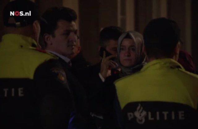 La ministra turca de Familia y Política Social, Betül Sayan Kaya, detenida