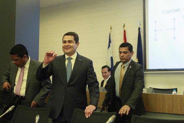 El presidente de Honduras, Juan Orlando Hernández, en la sede de la CEOE